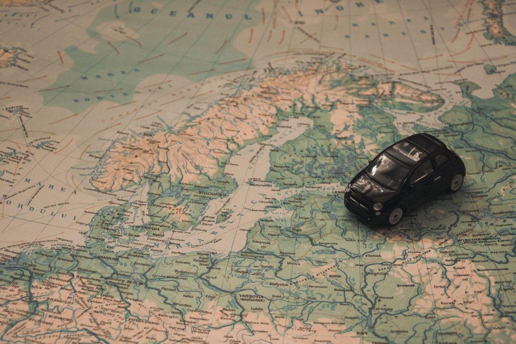 Bil_på_landkort